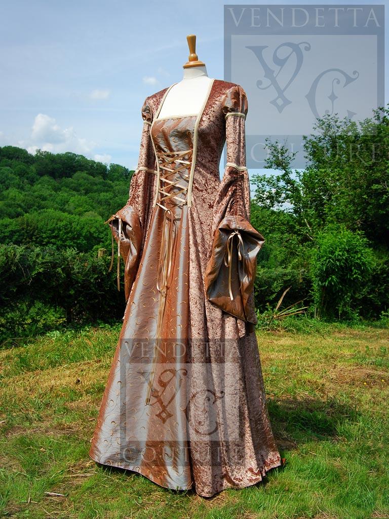 Renaissance dresses, Renaissance wedding dresses and gowns