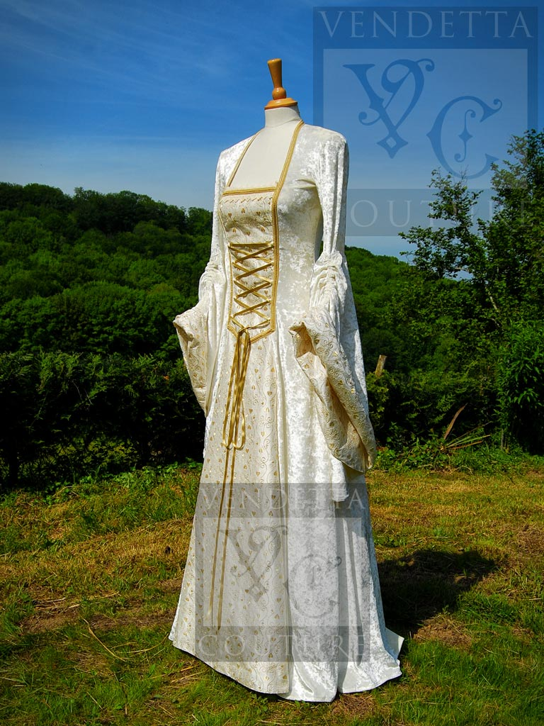 Medieval Dresses, Medieval Wedding Dresses & Gowns, Vintage Style ...
