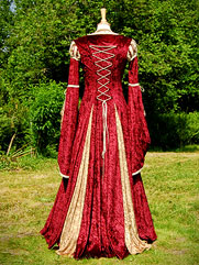 Betony-012 UK medieval gowns