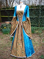Daylily-016 medieval style dress with optional cloak